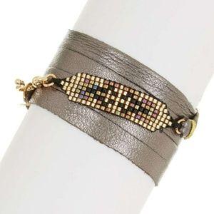 Jewelry - Leather wrap bracelet w/ gorgeous gold detail